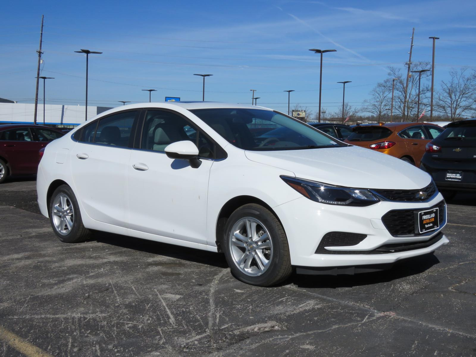 New 2018 Chevrolet Cruze Lt 4dr Car L1117 Freeland Auto